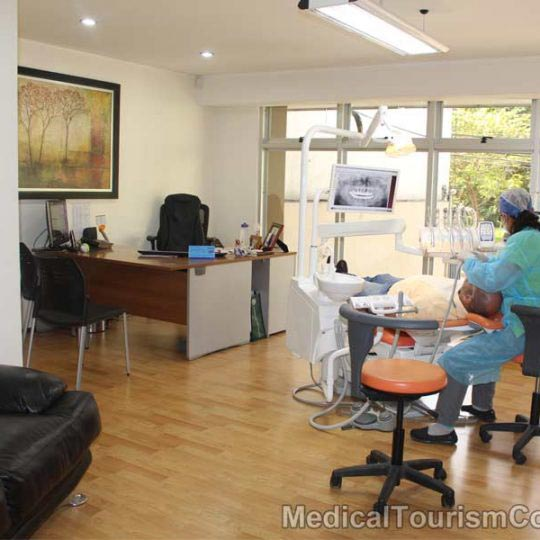 Patient with New Smile Dental Costa Rica Dentist